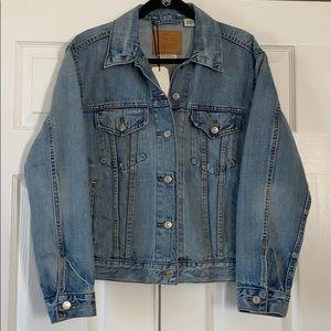 Levi's premium Ex-Boyfriend Trucker Jacket…